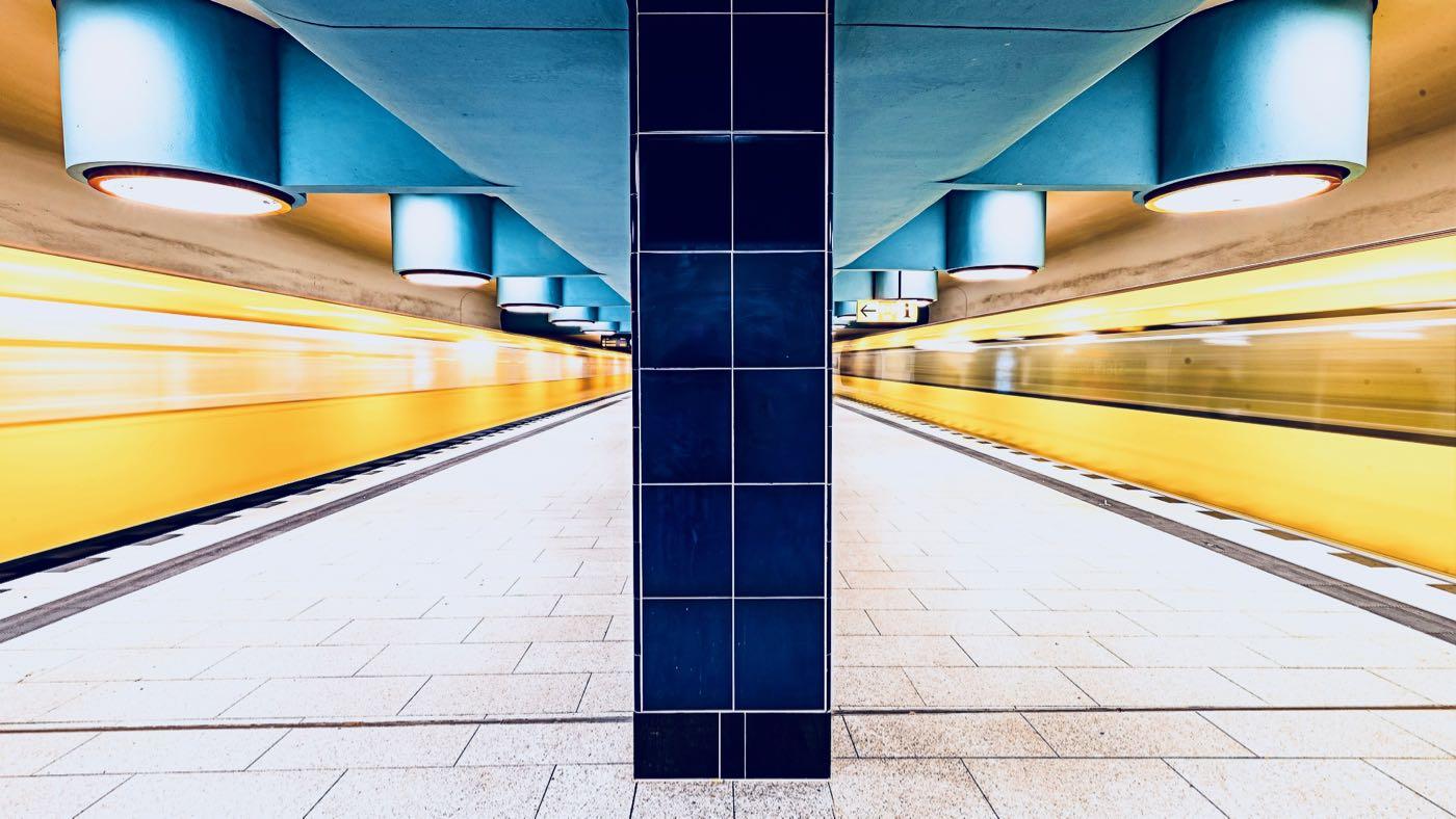 Kuvassa Berliinin metroa.