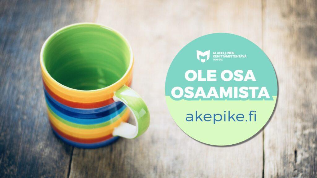 Kuvassa on kahvikuppi ja kehittämiskirjaston Ole osa osaamista -logo.